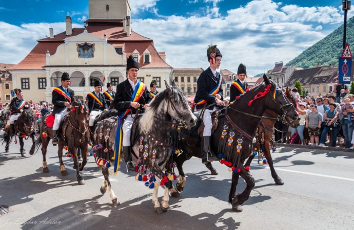 More than 25,000 people attended the Junii Parade in Brasov