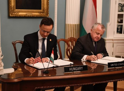 Hungary, US Sign Defence Cooperation Pact