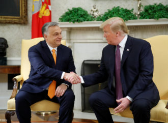 """Donald Trump to Orbán: """"You're controversial like me, but you did a good job"""""""